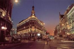 Новости рынка → Иностранцы скупают жилье в Испании
