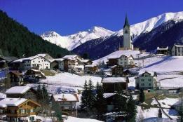 Новости рынка → Иностранцы скупают швейцарские шале