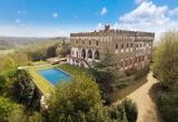 Роскошный замок в Тоскане