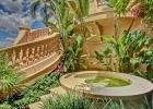 Роскошный особняк в городе Маналапан