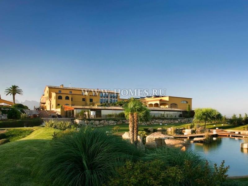 Великолепный отель рядом с Барселоной