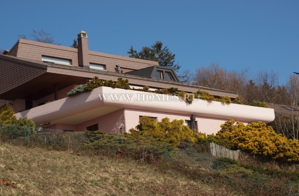 Красивый дом в современном стиле