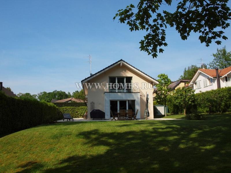 Уютный дом рядом с озером в Аньер