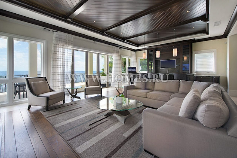 Современный особняк в Майами, штат Флорида