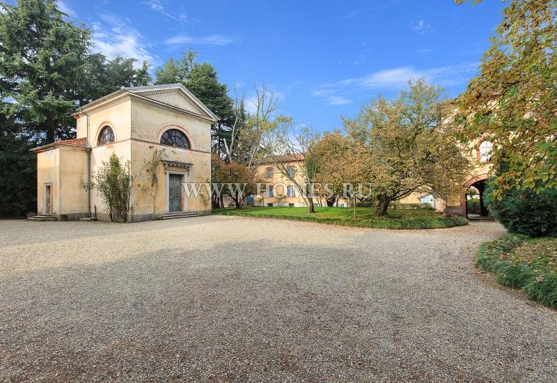 Старинный замок в Пьемонте