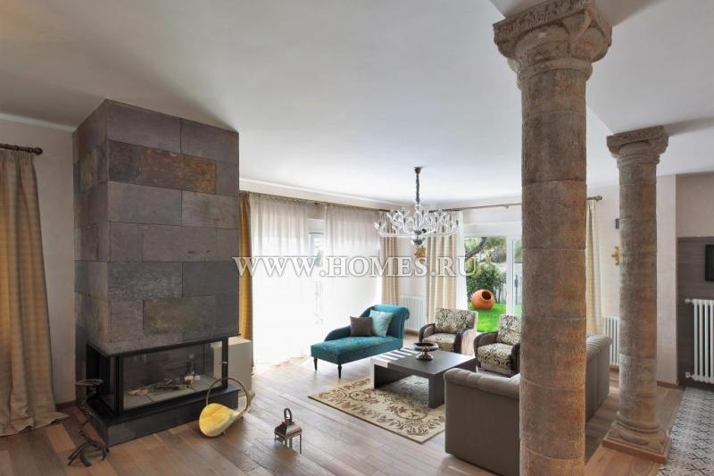 Стильный дом в городе Бланес