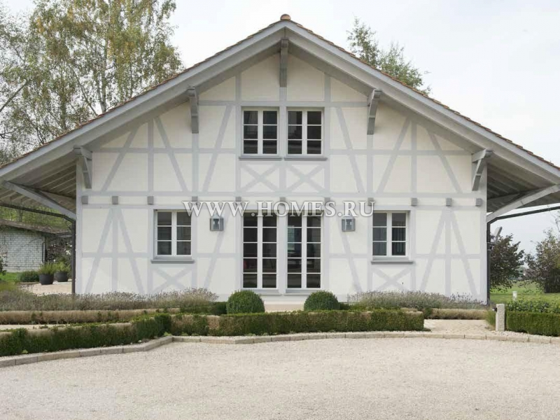 Элегантная вилла в коммуне Шёненберг
