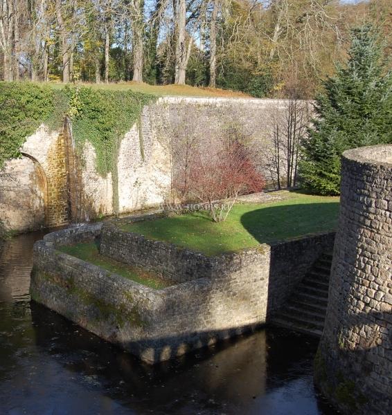 Прекрасный замок эпохи Ренессанса во Франции