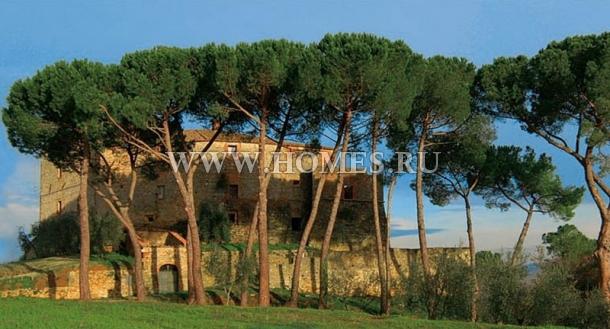 Красивый замок в Тоскане