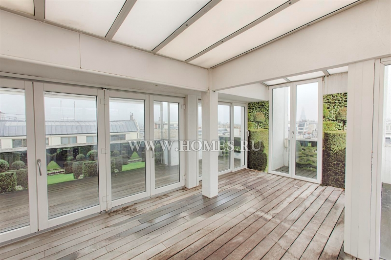 Светлые апартаменты в 8 округе Парижа