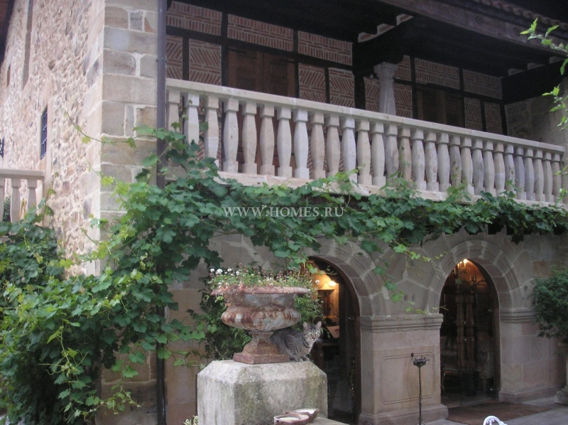 Великолепный отель в Испании