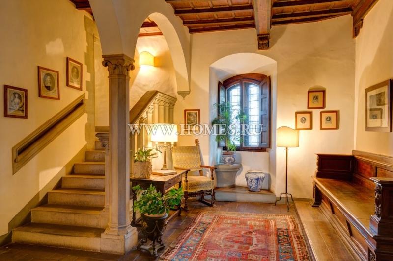 Старинный замок в Тоскане