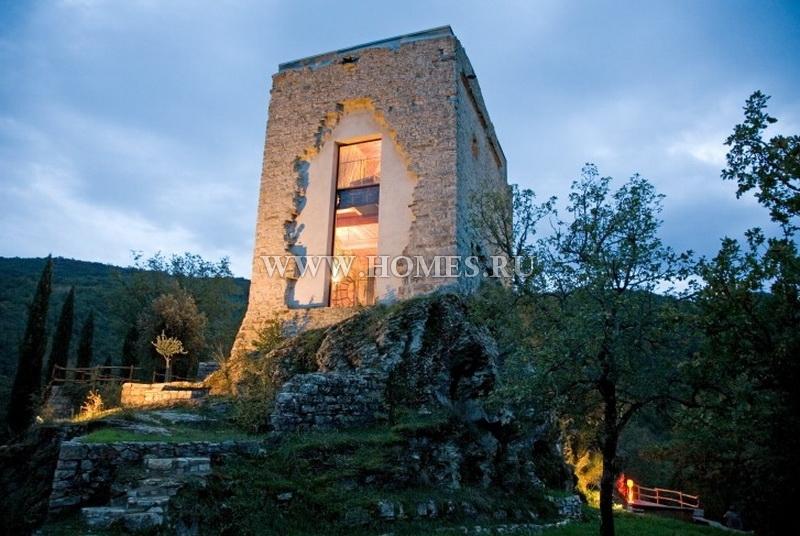 Великолепный замок в Тоскане