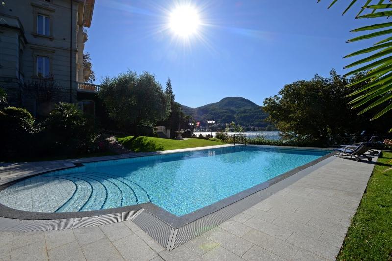 Потрясающая вилла на озере Лугано