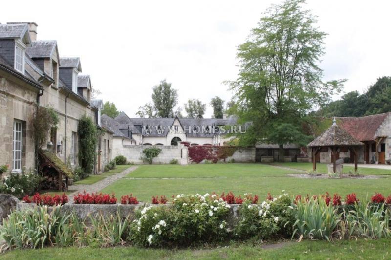 Прекрасный замок во Франции