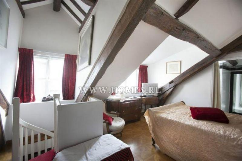 Двухэтажная квартира в 6 округе Парижа