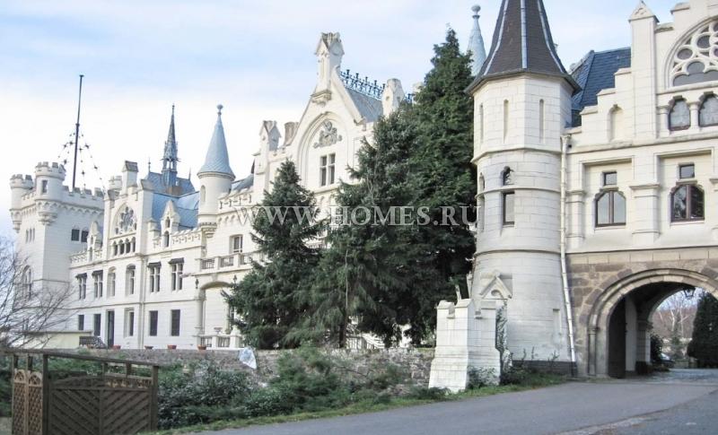 Старинный замок под Кельном