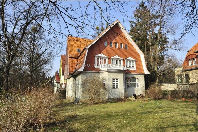 Симпатичный дом в пригороде Берлина