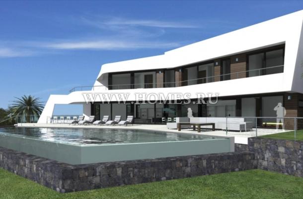 Современная вилла на побережье Коста Бланки