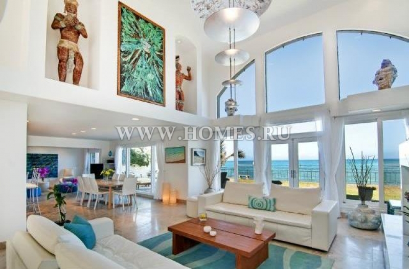 Красивый дом с панорамными видами на океан