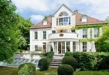 Красивые апартаменты с чудесным садом в Богенхаузене