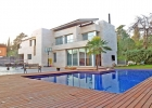 Красивый дом в городе Санта-Эулалия-де-Ронсана