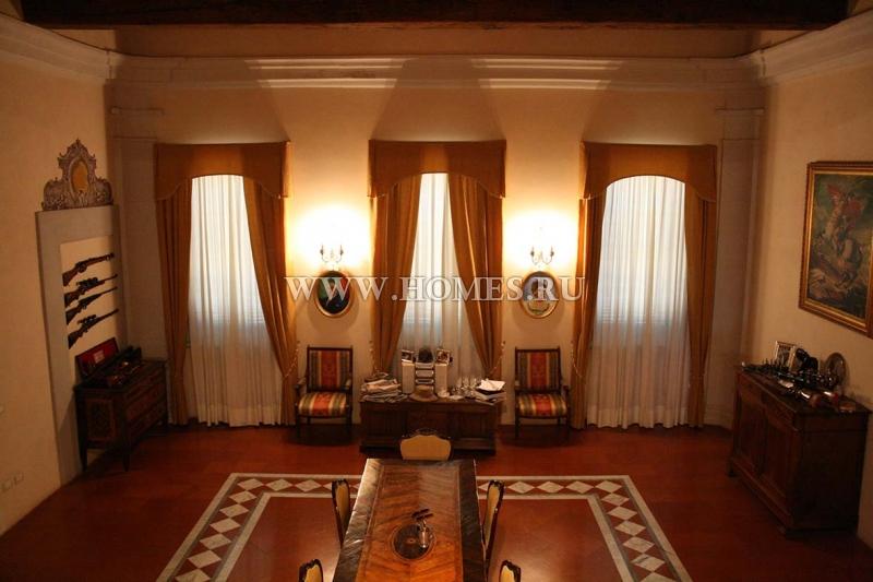 Пиза, престижный апартамент в историческом здании