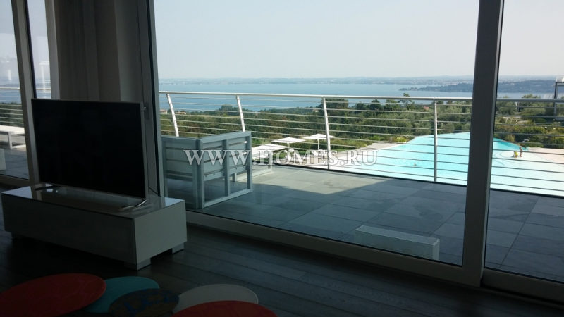 Потрясающие апартаменты на озере Гарда