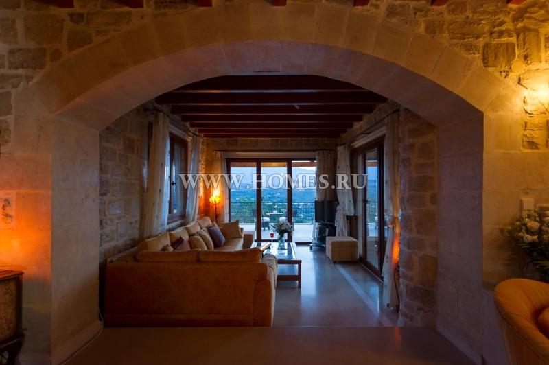Величественный дом на о. Крит