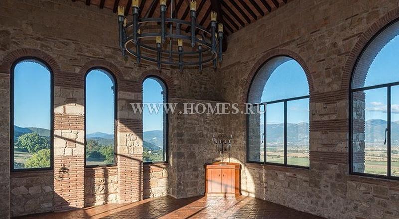 Великолепный замок в Италии