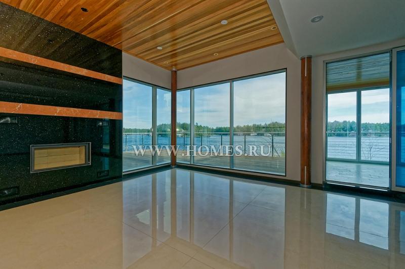 Дом в современном стиле на острове Мускока