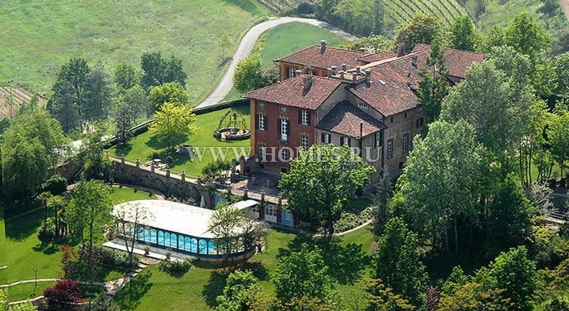 Великолепный замок в Пьемонте