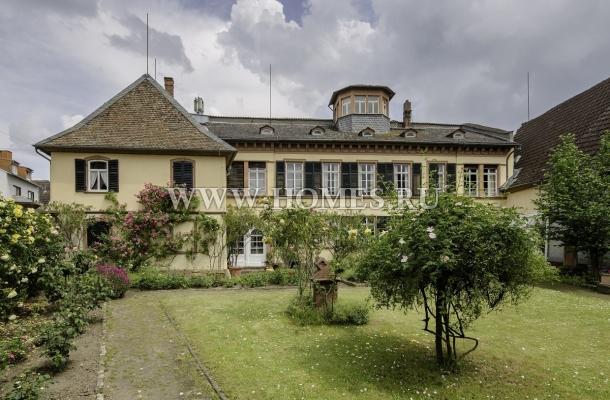 Старинный особняк в Хоххайме