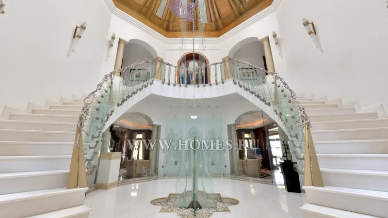 Потрясающая вилла в Бенаависе