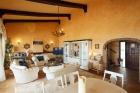 Уютная вилла в Эстепоне в Испании