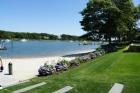 Элегантный особняк у реки Ийл в Массачусетсе