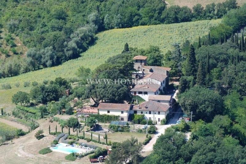 Вилла с виноградником в Тоскане