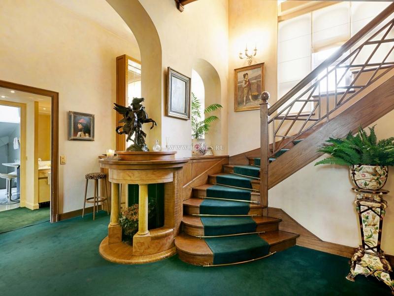 Исторический особняк в Париже