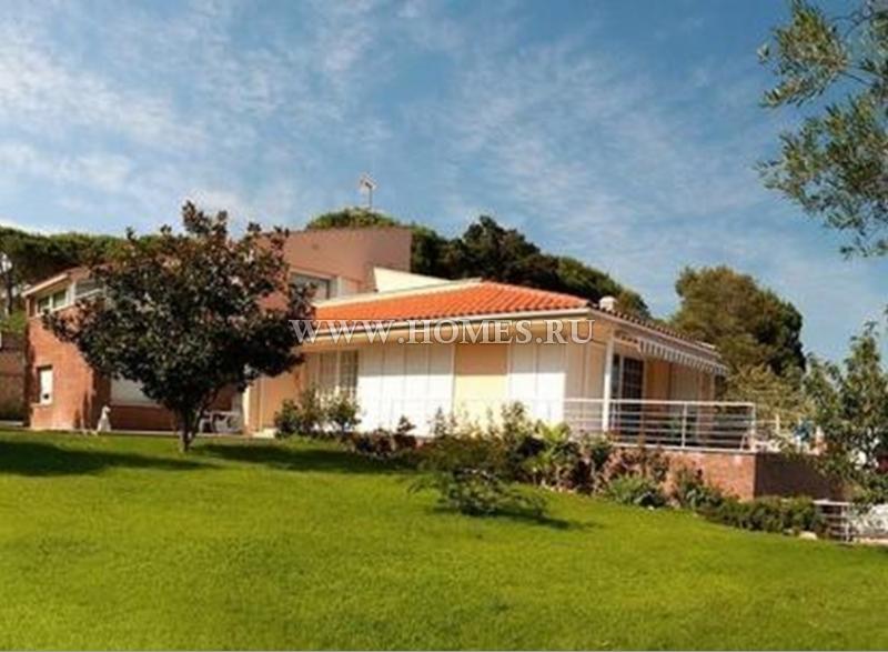 Великолепный дом на побережье Коста Брава