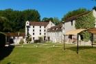 Очаровательная мельница 13 века в 30 км от Парижа