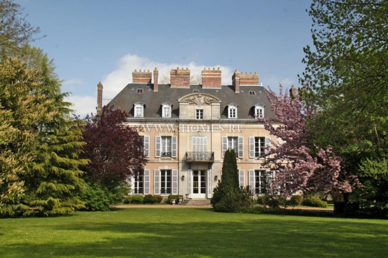Роскошный замок 19-го века