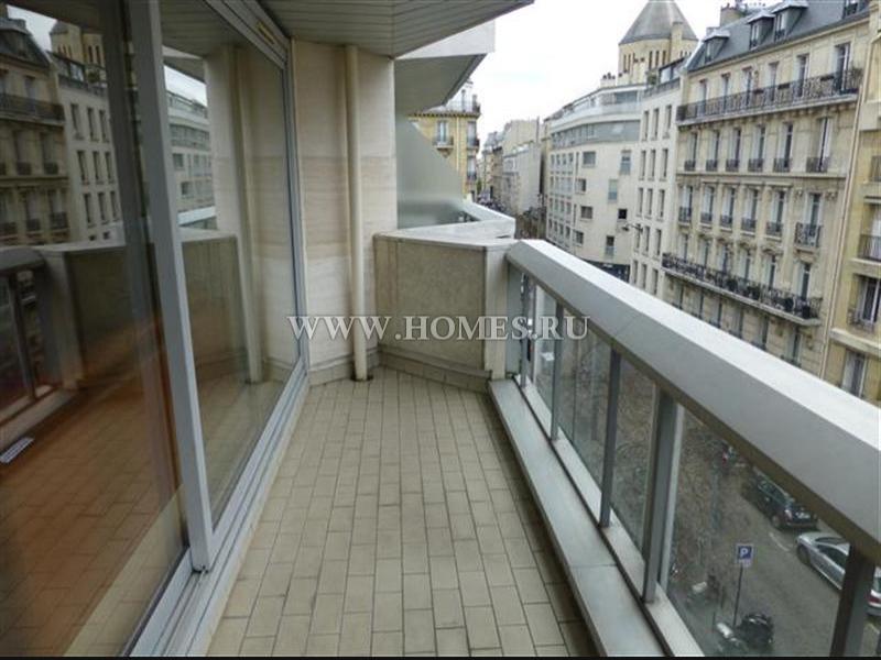 Светлая и уютная квартира в Париже