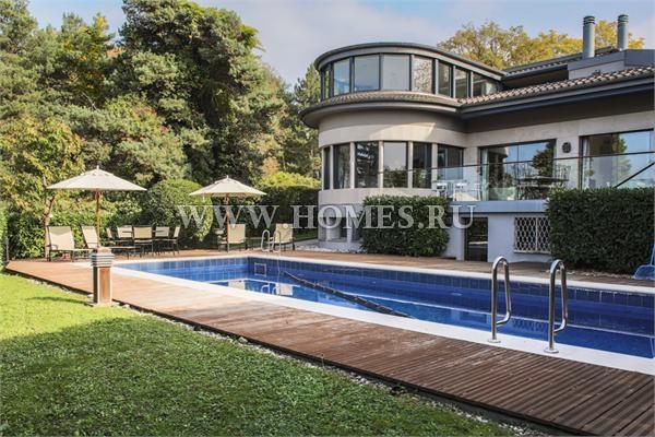Элегантный дом в городе Колони