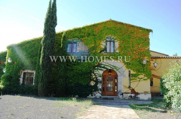 Великолепный загородный дом в  Бланес