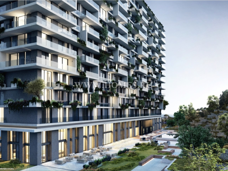 Современный апартамент с видом на реку в Лиссабоне
