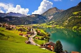 Новости рынка → Россияне чаще других получают гражданство Швейцарии