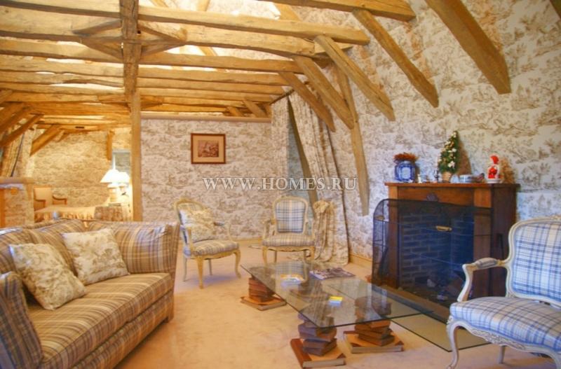 Великолепный замок эпохи Возрождения во Франции