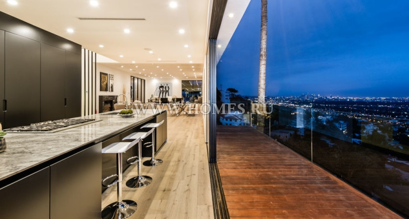 Замечательный дом в Лос-Анджелесе