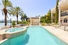 Потрясающий особняк в итальянском стиле в Майами