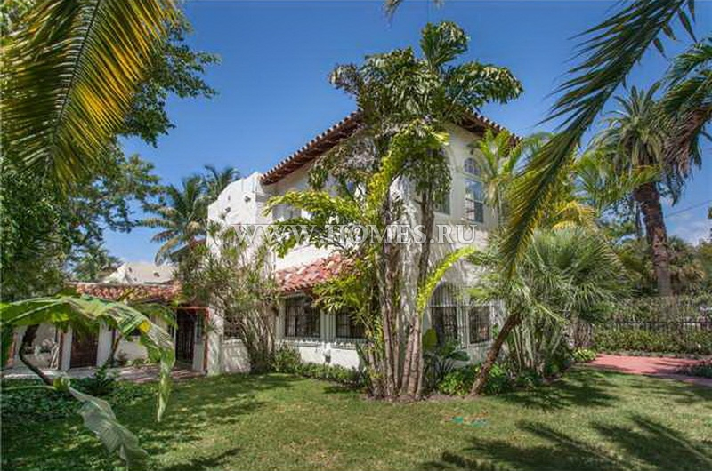 Прекрасная вилла в испанском стиле в Майами